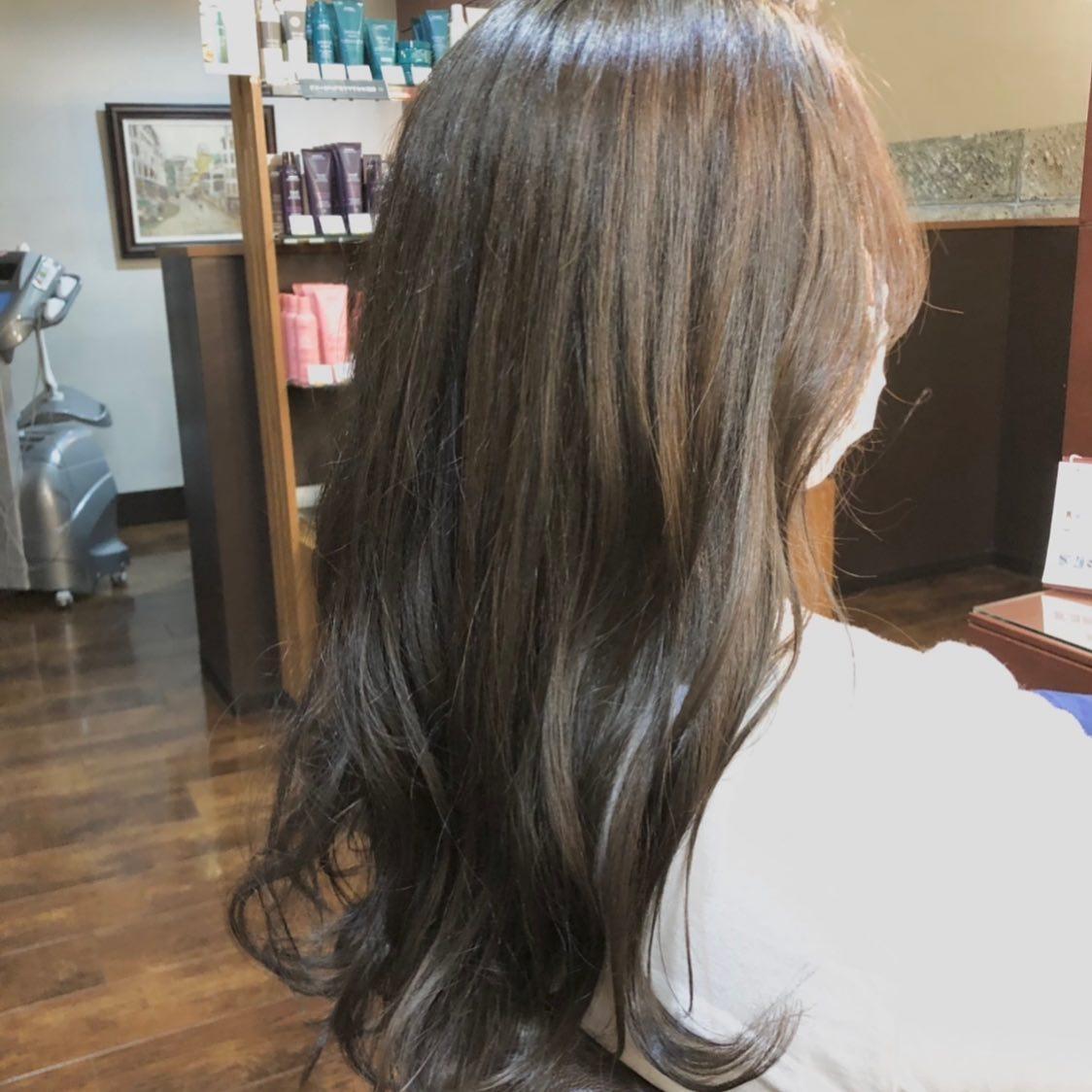 カットカラーエイジングコース︎ブルージュウェーブMIX巻下ろし髪をきれいに!毛先までつやのある髪の毛を保つのは大変です!頭皮ケアから髪の毛一本一本までしっかりエイジングのケアをさせていただきます!!スタイリスト 村田#宇都宮#美容室#宇都宮美容室#trinity#aveda#avedaサロン#avedaカラー#エイジング#エイジングケア#ケア#ヘッドスパ#トリートメント#ヘアビューザー#ヘアビューロン#リュミエリーナ#バイオプログラミング#サイエンスアクア#ツヤ#ツヤ髪#美髪#美髪ケア