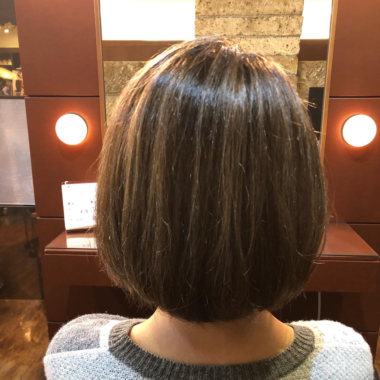 カラーエイジングコース ︎ハイライトを細かく入れてデザイン性+白髪ぼかしでエイジング乾燥しやすくホワホワしてしまう髪の毛は定期的にサイエンスアクアで潤いと栄養をチャージして改善しています!スタイリスト 村田#宇都宮#美容室#宇都宮美容室#trinity#トリニティ#aveda#avedaサロン#avedaカラー#カラー#カット#エイジング#エイジングケア#ヘッドスパ#トリートメント#オーガニック#オーガニックカラー#アジュバン#クラスs#カスイ#ソーマライト#光ケア#ドクタースカルプ#ヘアビューザー#ヘアビューロン#バイオプログラミング#ダイソン#エアラップ#サイエンスアクア#髪質改善